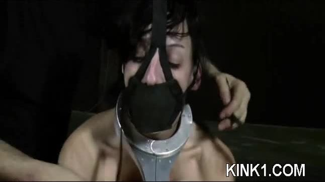 Girlt just inspires a man to grab some rope